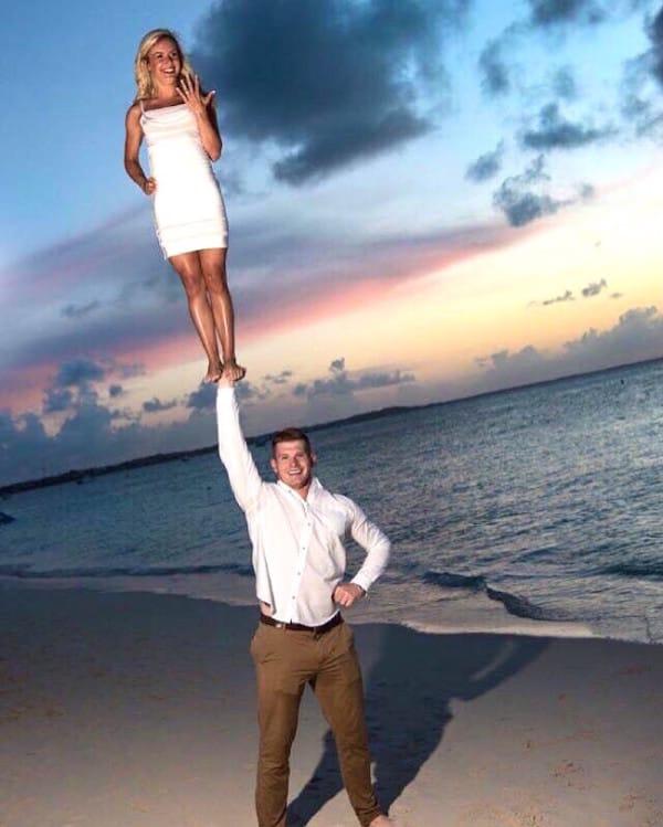 La fotografía de la boda de una animadora y su marido se viraliza dando un zasca a las redes