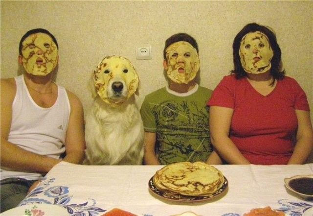 27 de las Fotos familiares más surrealistas que seguramente hayas visto nunca