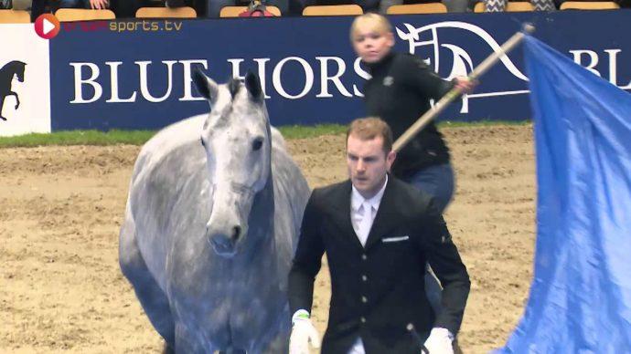 Este espectáculo muestra el maravilloso vínculo de confianza entre el caballo y su entrenador
