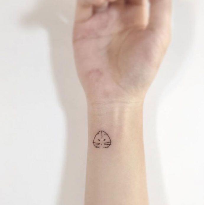 25 Diminutos tatuajes que han conseguido hacerse con la gran mayoría