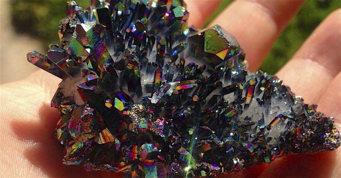 mira como convierte estos ordinarios minerales en obras de arte banner
