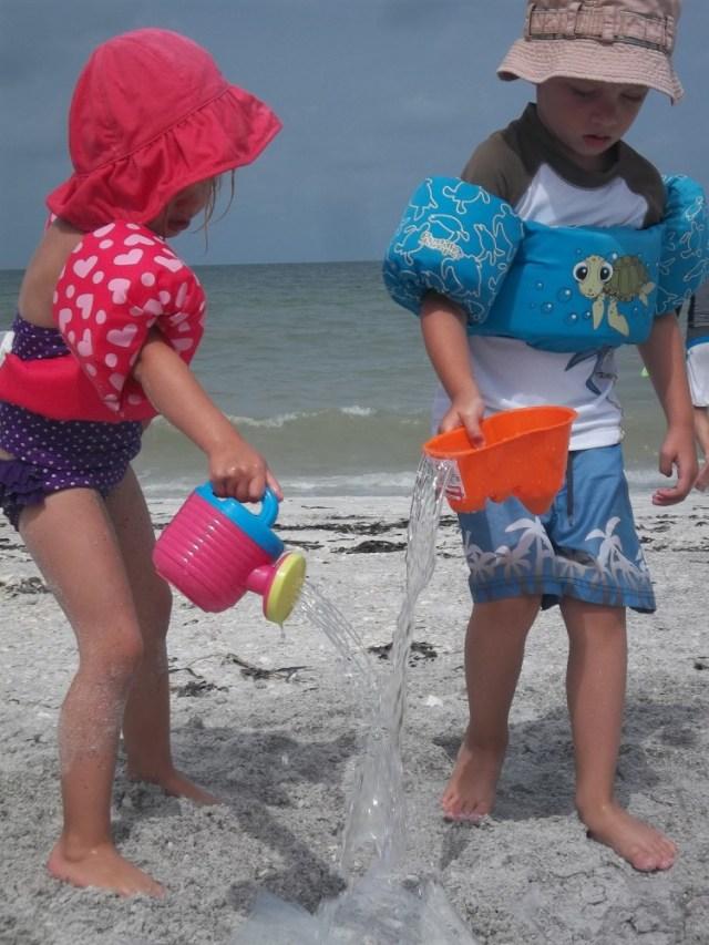 ¿Por qué deberías llevar una cortina de ducha a la playa?