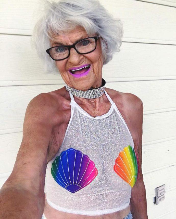 ¿Recuerdas a esta anciana que se volvió famosa en internet? Pues espera a verla ahora...