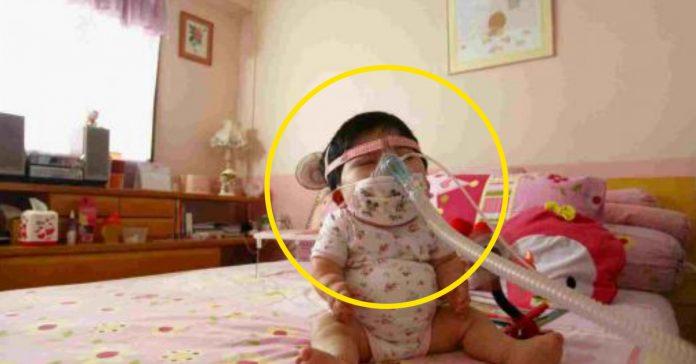 tiene 17 anos pero su cuerpo es el de una nina de 1 ano la causa un misterio banner