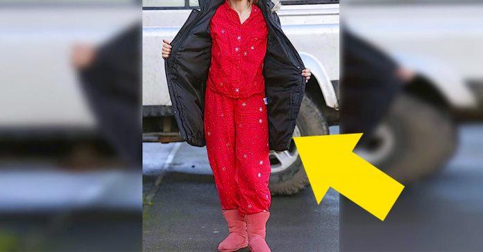 esta madre llevaba a su hija en pijama al colegio la razon te sorprendera banner