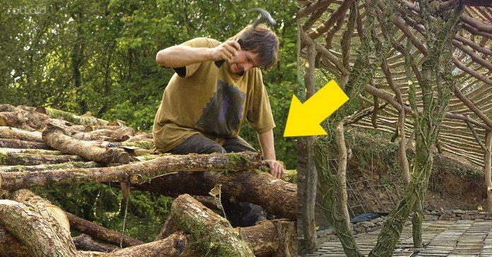este hombre creo una casa hobbit con troncos madera
