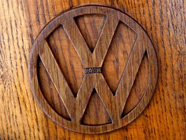 Este hombre se ha vuelto famoso por su curioso y único Volkswagen. En cuanto mires de cerca verás el por qué...