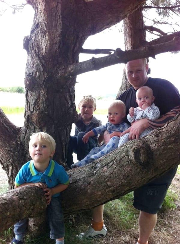Un hombre fallece repentinamente dejando solos a su mujer y 8 hijos