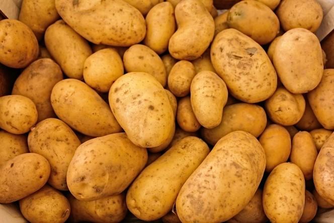 Una familia al completo fallece por unas patatas en su despensa