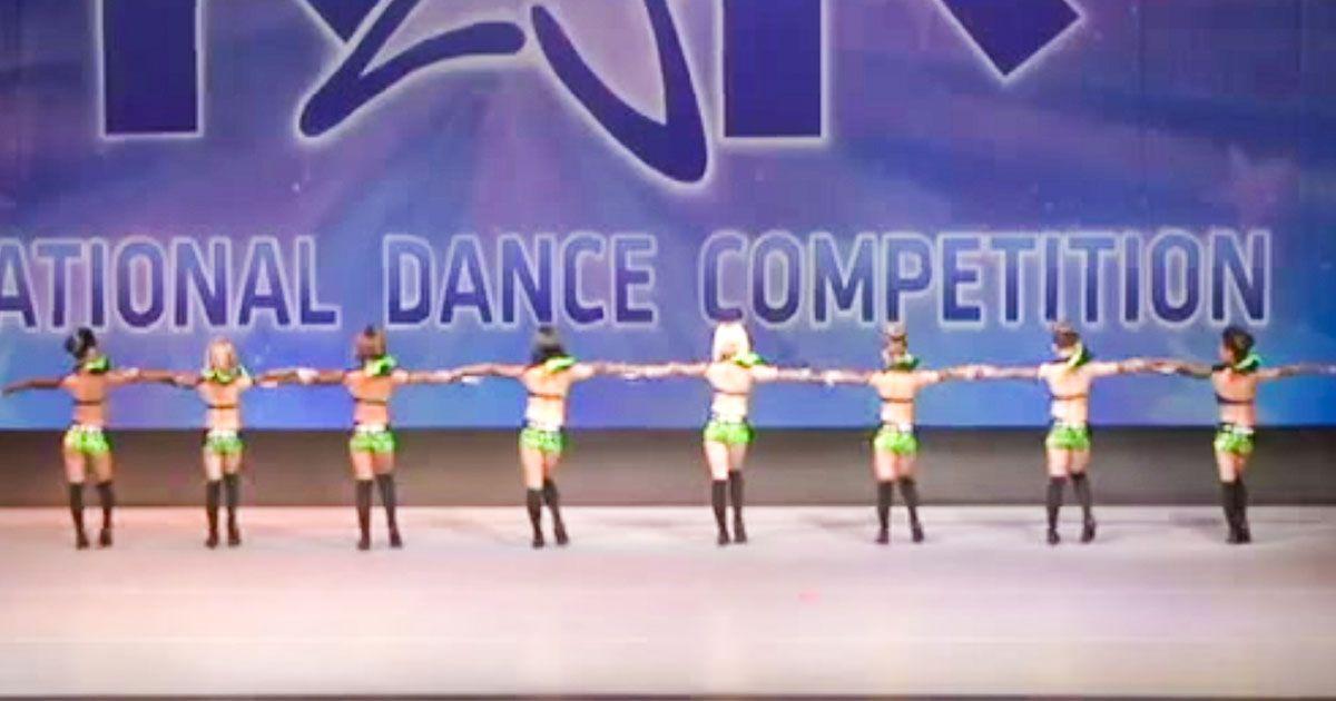 Esta actuación de baile en una competición nacional es impresionante