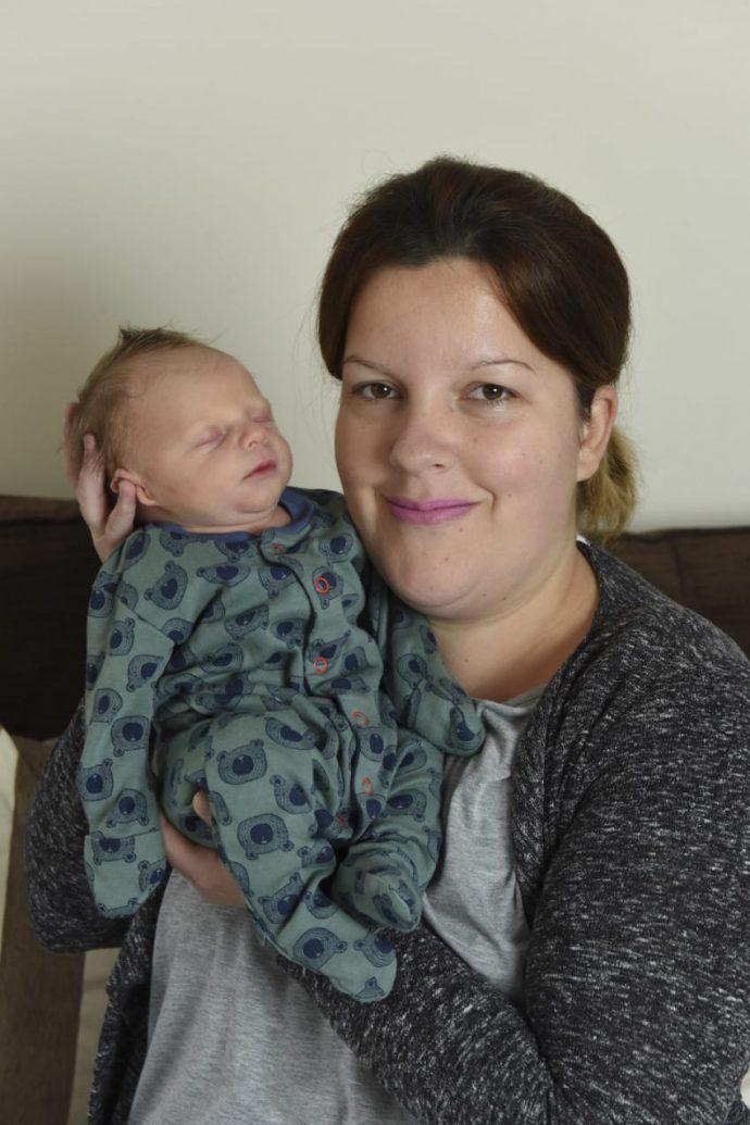 3 meses después de perder a su bebé descubre que había un gemelo secreto
