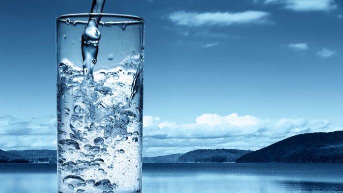 9 Señales del cuerpo que pide urgentemente algo tan simple como beber un poco de agua