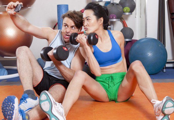 Aquellas personas que publican su rutina de ejercicio tienen problemas psicológicos, según un estudio de Londres