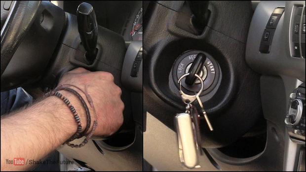 Si un coche se queda sin batería, sólo hace falta una cuerda para arrancarlo