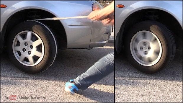 Si un coche se queda sin batería, sólo necesitas una cuerda para arrancarlo