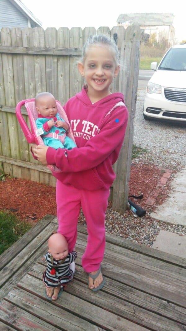 Una niña de 7 años se viraliza después de publicar su disfraz de Halloween
