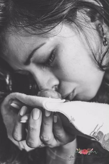 Una madre publica unas imágenes de su bebé de 17 semanas y comparte su experiencia con todos