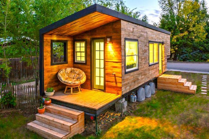 Esta mujer se construye una minicasa para dejar de pagar la hipoteca después de su divorcio