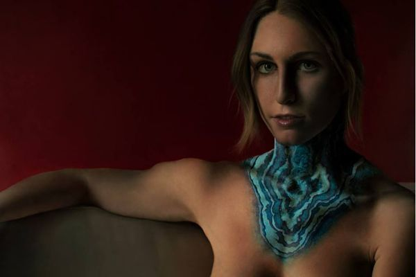 11 Imágenes del artista viral y sus obras que no pueden dejar de mirarse