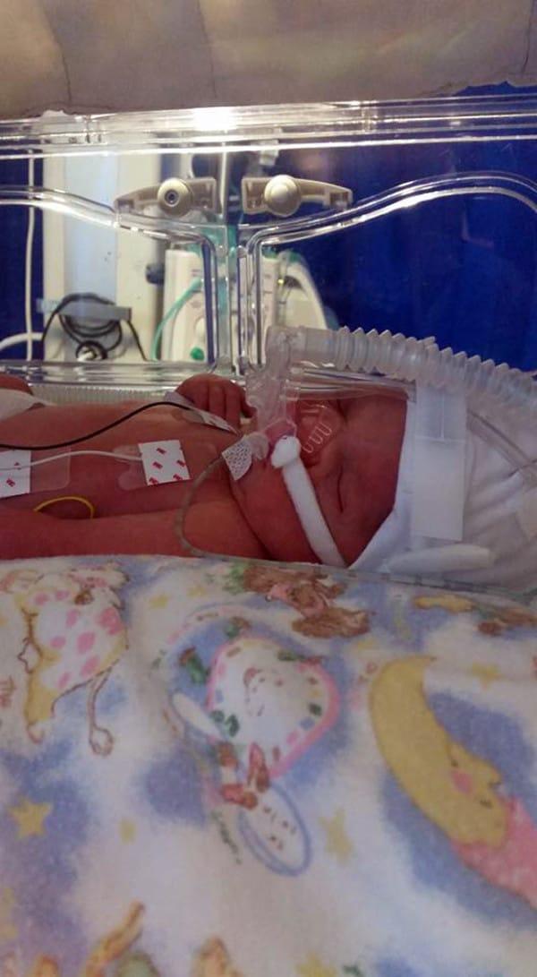 Después de 16 abortos unos padres pierden a su bebé por no actuar a tiempo