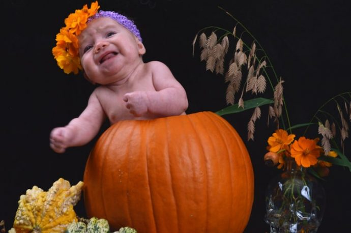 Descubre estas graciosas y divertidas fotos de bebés recién nacidos