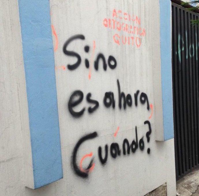 Un grupo de personas se ha dedicado a corregir los errores ortográficos que van viendo por las calles