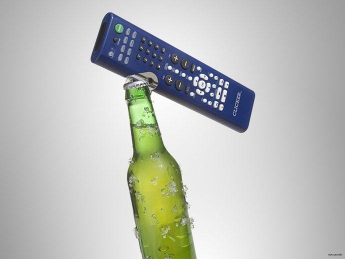 10 Súper inventos para vagos que no quieran levantarse más del sofá