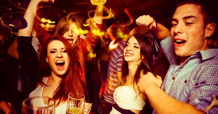 descubre algunos consejos para evitar la resaca que sigue a una noche de fiesta banner