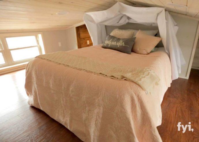 Una pareja se las ingenia para dar un giro radical a una pequeña cabaña de 40 metros cuadrados