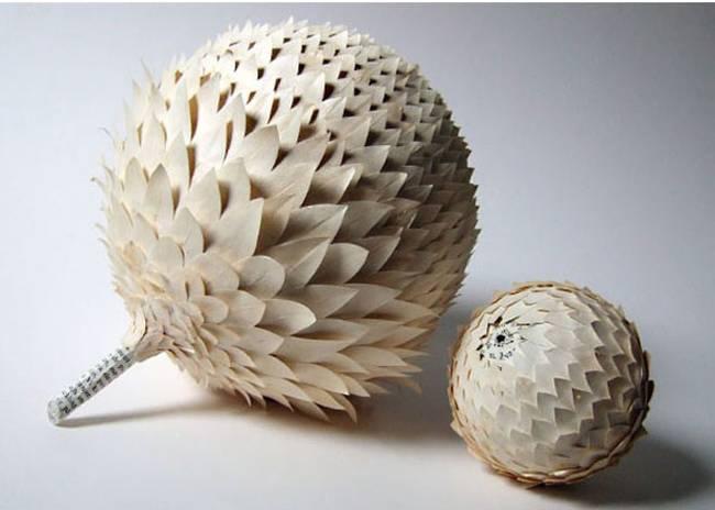 Esta artista transforma libros antiguos en tazas y cuencos de papel con un gusto exquisito