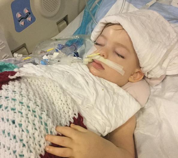 Esta niña de 3 años inhaló una palomita que acabó con su vida