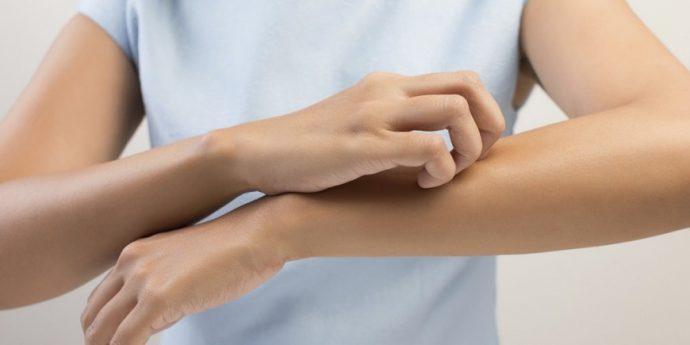 5 Señales comunes que te manda el cuerpo cuando tu hígado no funciona bien