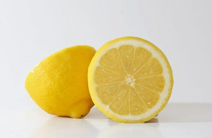 Para qué sirve congelar los limones y por qué deberías hacerlo