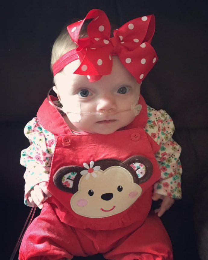 Los médicos les dijeron que su hija iba a nacer sin vida, pero 5 meses después la pequeña ve las primeras nevadas