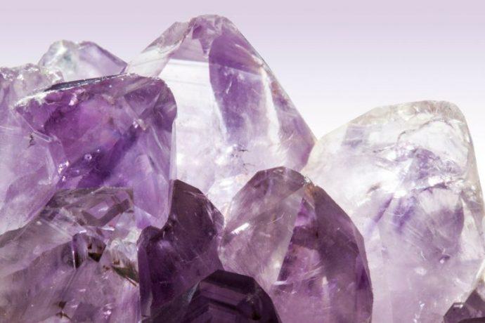 12 Hechos que revelan cada una de las 12 piedras del nacimiento sobre ti