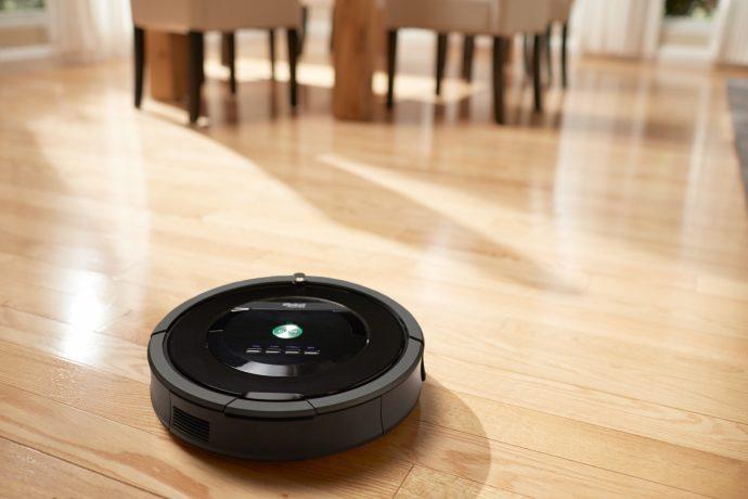 """Este robot de limpieza provocó un desastre cuando arrastró la """"caca"""" del perro por la casa"""