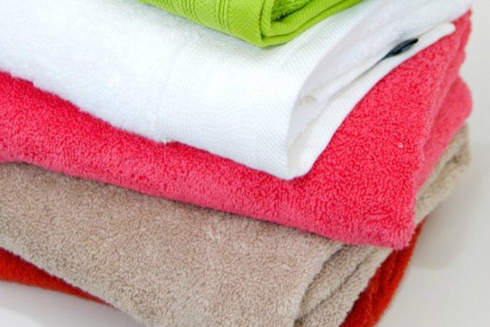 3 Pasos para eliminar el olor a humedad de todas tus toallas