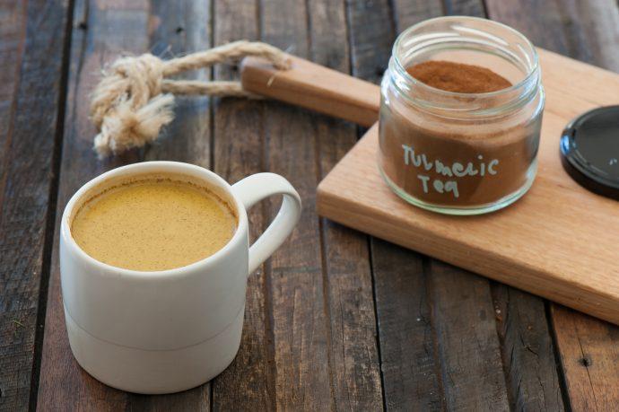 Cómo hacer un té de cúrcuma para eliminar todos los dolores