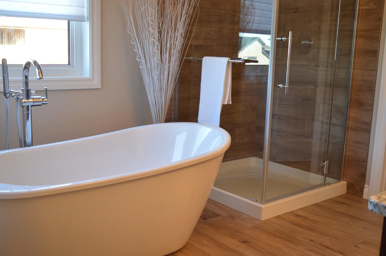 7 Trucos brillantes que usarás siempre para limpiar tu baño
