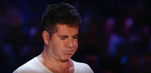 Le dedicó la canción a su difunto mejor amigo, y Simon Cowell no pudo contener sus lágrimas