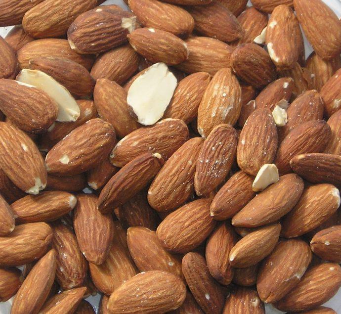 Los 6 alimentos naturales que regulan tus hormonas y son buenos para la piel