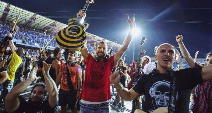 "1.000 músicos se juntan para tocar ""Smells Like Teen Spirit"" de Nirvana"