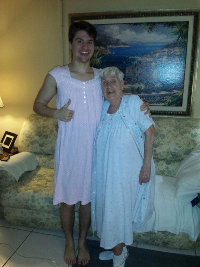 20 Regalos de abuelas tan absurdos que no podrás ponerles mala cara