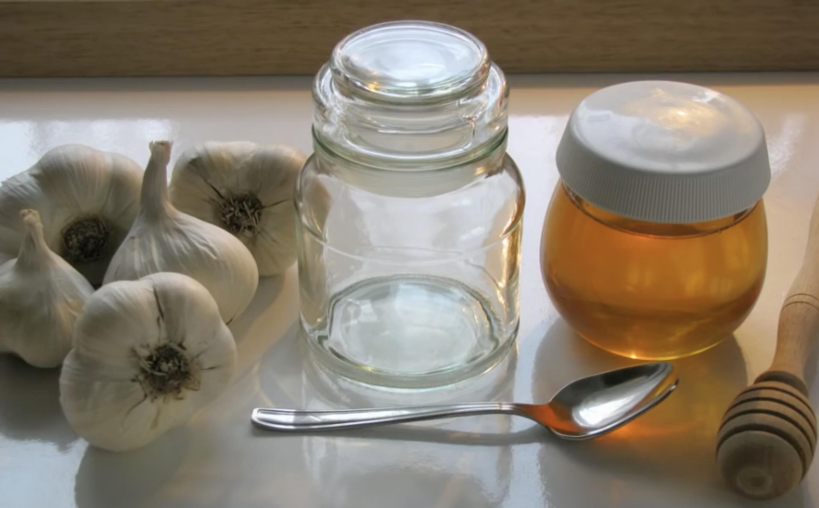 Prueba a mezclar ajo y miel y disfruta de todos sus beneficios