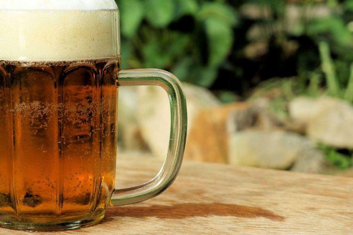 ¿Cerveza o vino? ¿Qué es más saludable en tu caso?