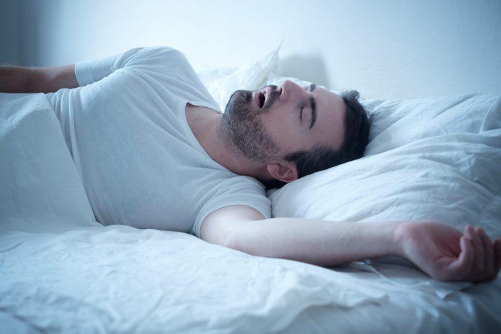 Descubre esta forma simple y natural para dejar de roncar