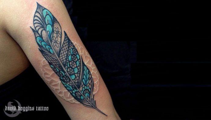 Los 23 tatuajes que prueban que la tinta blanca ha llegado para quedarse