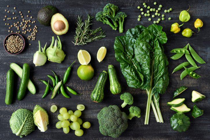 Estos son los 13 alimentos que debes consumir para mantener la piel joven y radiante