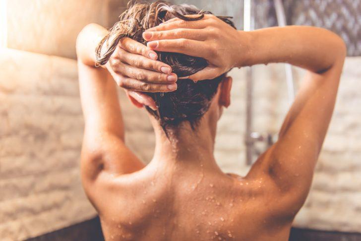La ciencia dice que probablemente te estés duchando demasiado a menudo