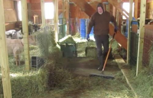 Un granjero de 50 años realiza un vídeo musical que se ha hecho viral rápidamente
